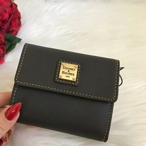 NWT DOONEY & BOURKE TREEFOLD MINI WALLET C…